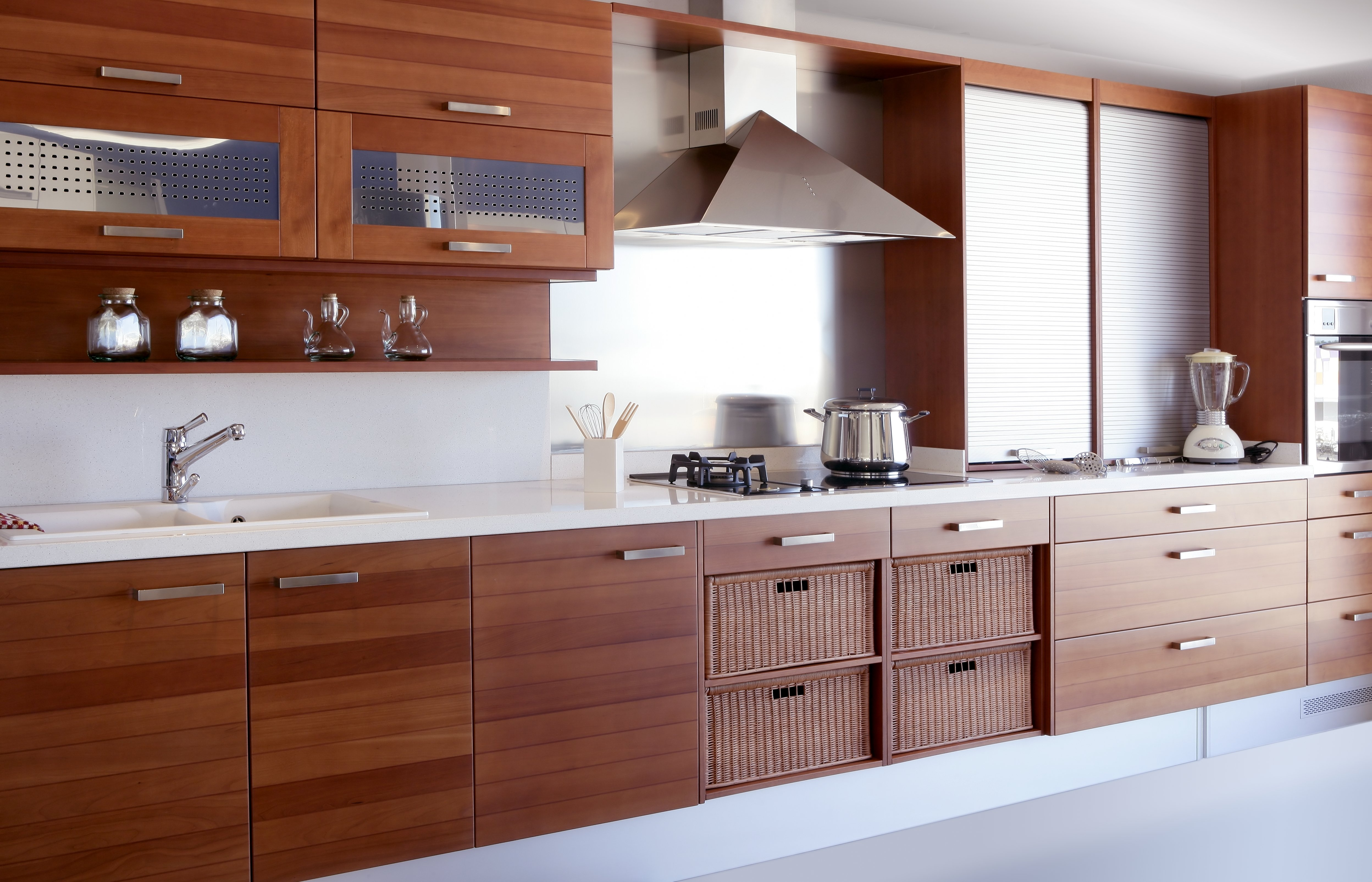 Difference between veneer and laminate