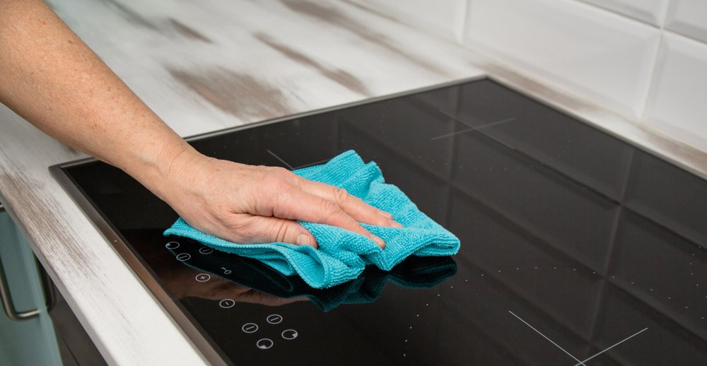 microfibers cloths for cleaning glass and ceramic hobs